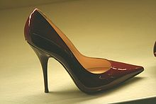 220px-Zapatos_de_tacón_de_aguja-2008